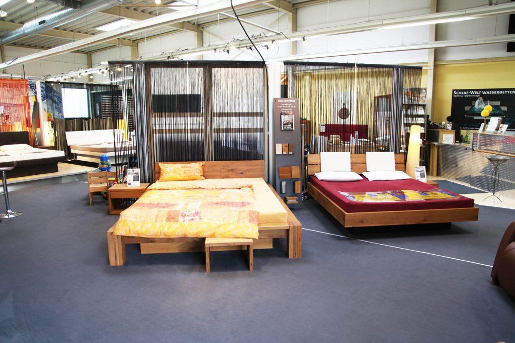 Bettenstudio Schlaf-Welt, Eingang mit Wasserbetten und Matratzen