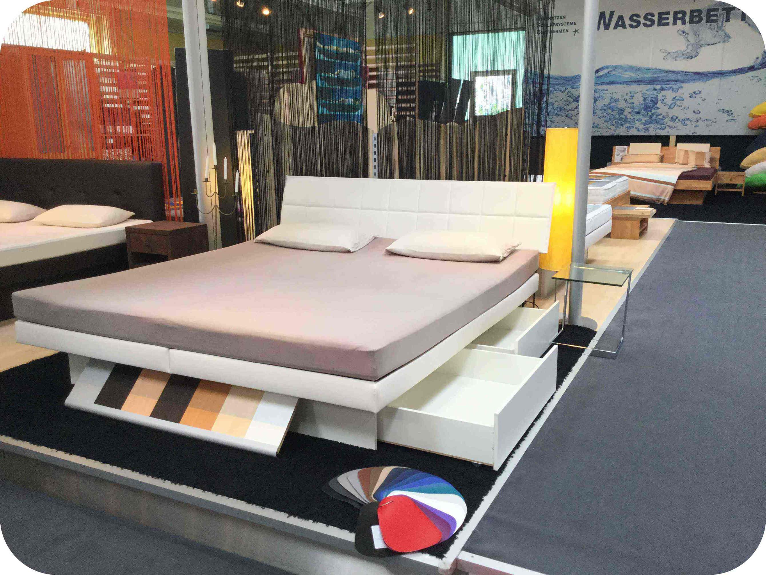 wasserbetten hochwertige matratzen und stilvolle betten. Black Bedroom Furniture Sets. Home Design Ideas